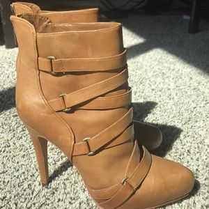 Like new excellent condition heeled booties